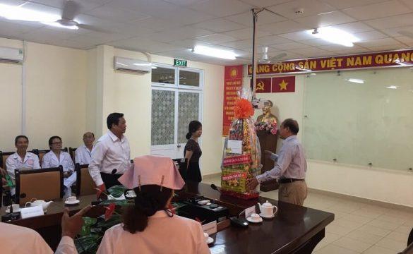 Uỷ ban Nhân dân thành phố thăm và chúc tết BV Phạm Ngọc Thạch